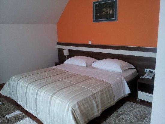 Hotel Degenija: Clean and spacious