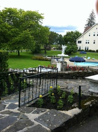 Leeds, Νέα Υόρκη: Pretty fountains at the lodge
