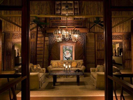 Turtle Inn: Iterior of Coppola Family Pavilion