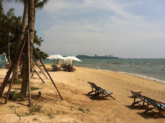 Cape Dara Resort: Beach