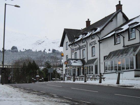Best Western The Crianlarich Hotel: In the snow!