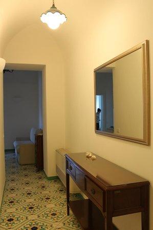 إل دوكاتو دي رافيلو: Entrance area of superior apartment