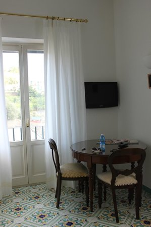 Il Ducato Di Ravello: Sitting area of superior apartment