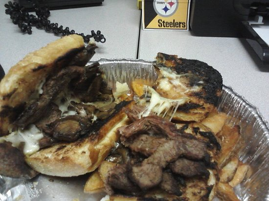 Bella Casa: Cheese Steak Sandwhich--- How could they serve this??