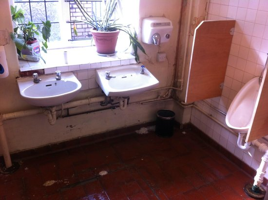 Grange Rochester Hotel : Toilet for guests in the restaurant