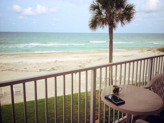 SeaHorse Beach Resort : View from our patio