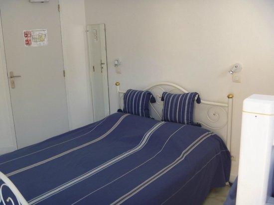 Hotel Cote d'Azur : Chambre 11