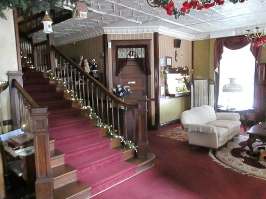 The Historic Argo Hotel : Parlor and Stairwell