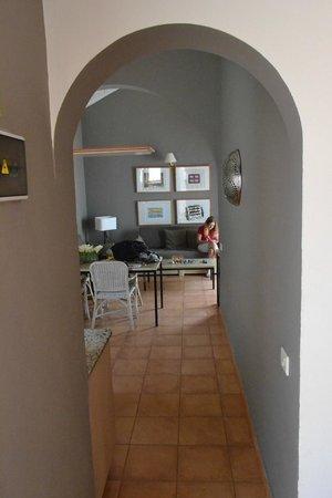 Sol Barbacan Hotel: uitzicht op woonkamer