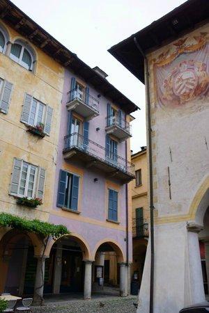 هوتل أراسويلي: The hotel Aracoeli (the one in the middle)