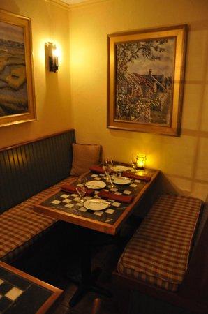Oran Mor: Table