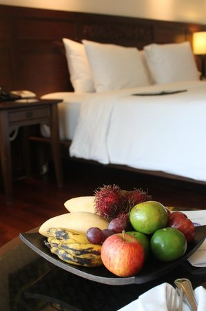 Le Meridien Phuket Beach Resort: Welcome Fresh Fruits