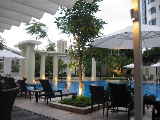 Park Hotel Clarke Quay: At the pool bar before leaving for the airport