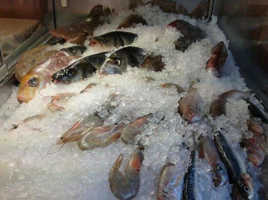 La Cantinola : pesce fresco di paranza.arrivi giornalieri.