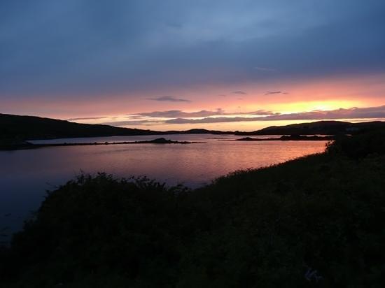 Ardagh Hotel & Restaurant : Galway sunset from carpark