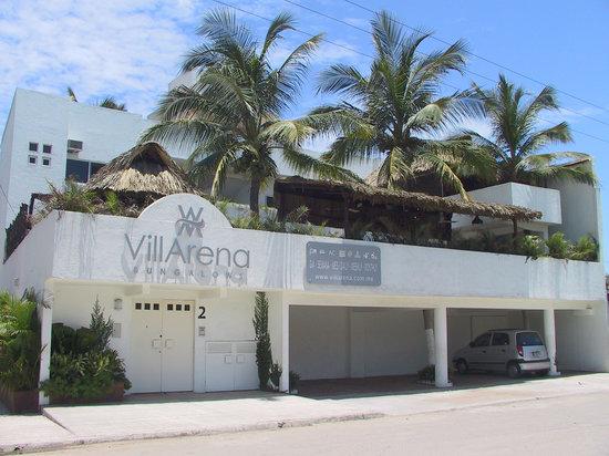 VillArena Bungalows: fachada