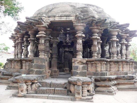 Kolhapur, Indien: Kopeshwar Temple - Khidrapur