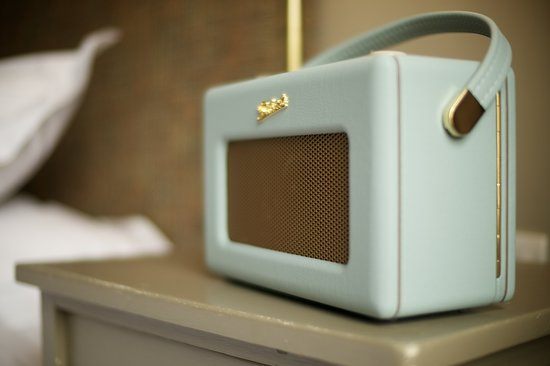 Methuen Arms Hotel: Roberts Radio's in all rooms