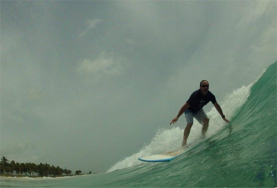 Punta Cana Surf School: nice swell at macao beach