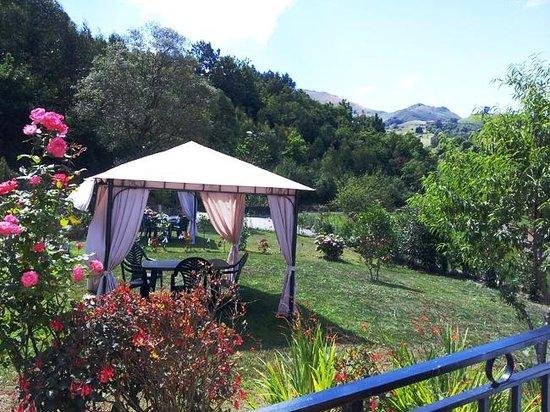 Jard n picture of casa rural san juan ribadesella for Casa rural casa jardin