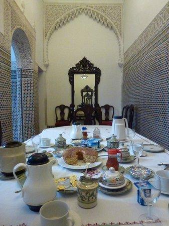 Riad Dar El Mouhit : Breakfast