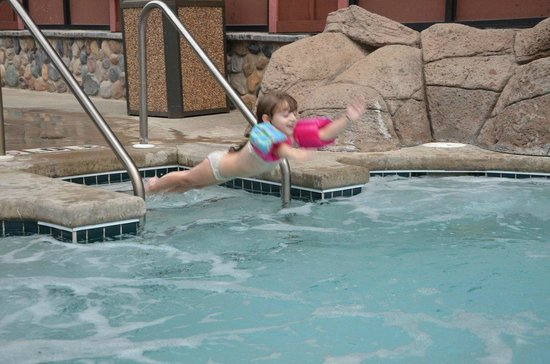 Wild West Waterpark: jumping to the pool