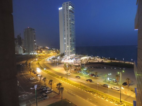 Ramada Hotel and Suites Netanya: view from our balcony