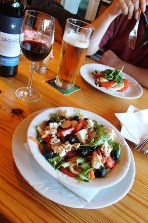 Pizzeria La Montanara: Salad straters