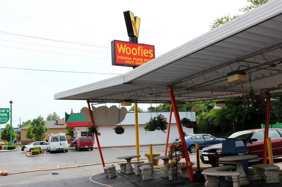 Woofie's Hot Dogs