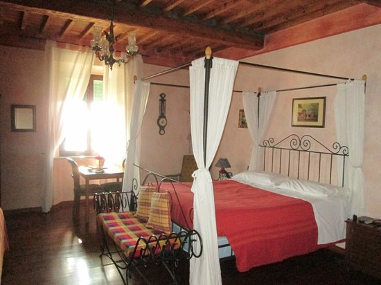 B&B Antica Toscana: Our lovely room in the Leonardo Apartment
