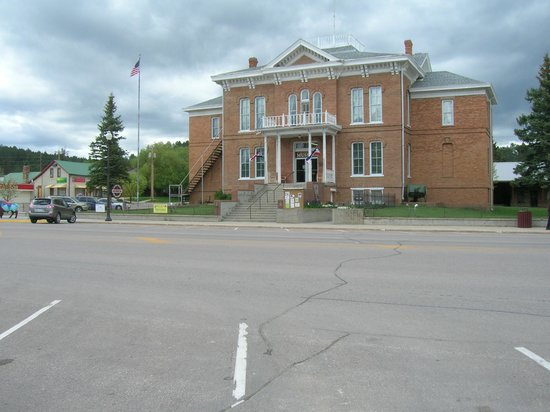 ‪Custer County 1881 Court House Museum‬