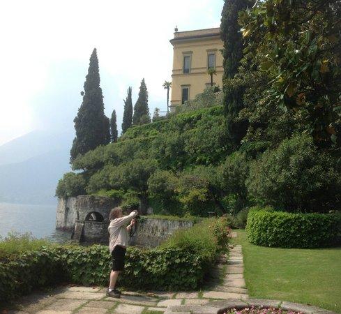 Hotel Villa Cipressi: gardens, Villa Cipressi, Varenne