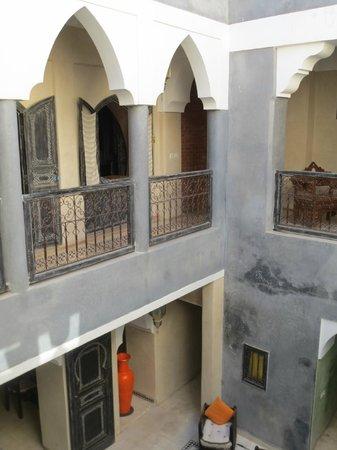 Riad Alamir: balcony