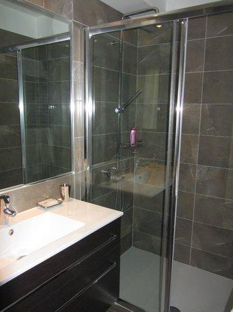 B&B Carlo Alberto: Camera con bagno interno