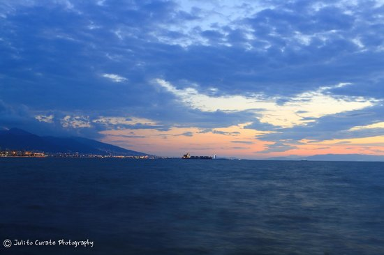 BEST WESTERN PLUS Hotel Konak: Sunset along the seawall
