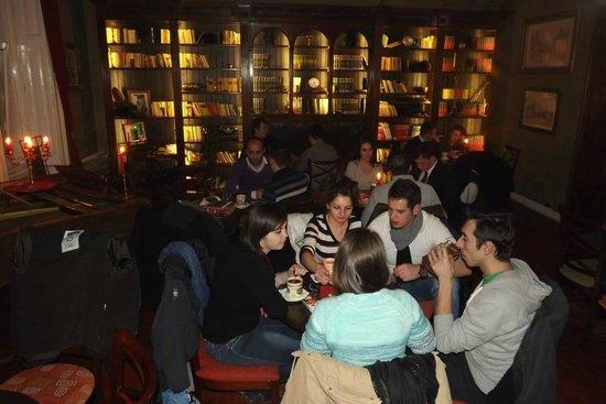 Janis Cultural Cafe: pleasant atmosphere