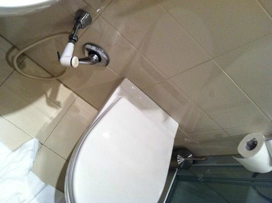 B&B La Dimora degli Angeli: DO IT YOURSELF BIDET
