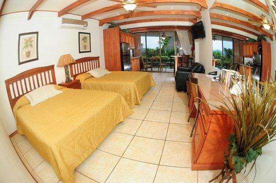 Flamingo Marina Resort: Captain Suites