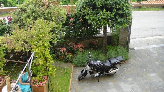 Villa Marsili Hotel: Parcheggio moto