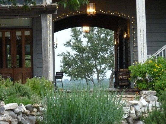 Sage Hill Inn & Spa: The Inn Above Onion Creek