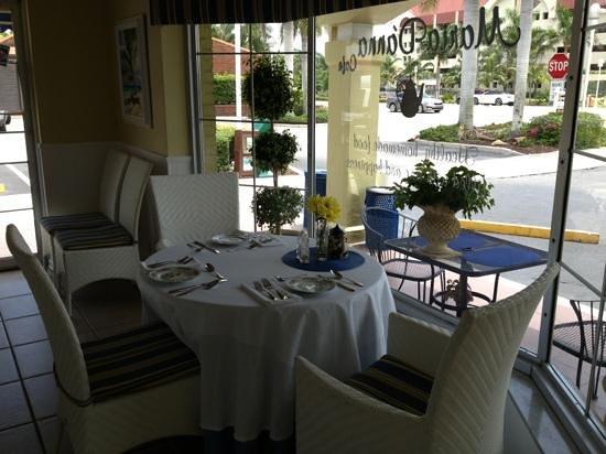 Maria D'anna Cafe: try a spot of tea with dessert!!