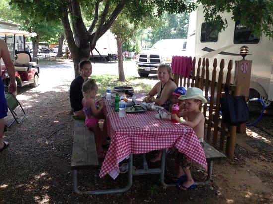 Yogi Bear's Jellystone Park North Texas: Jellystone