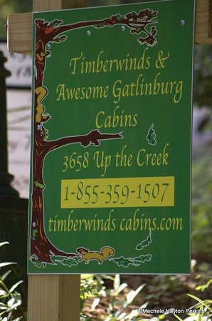 Timberwinds Log Cabins: Sign