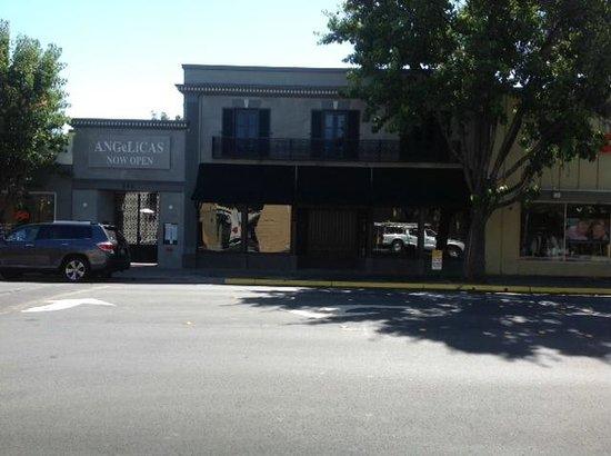 Cheap Hotels Near Redwood City
