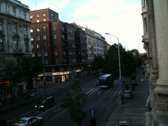 Njoy Budapest Hostel: Balcony vue