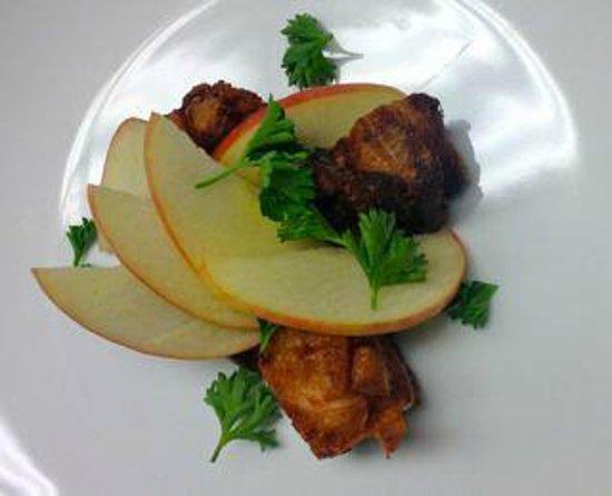BREW Pub & Kitchen: Pork Belly with Apples