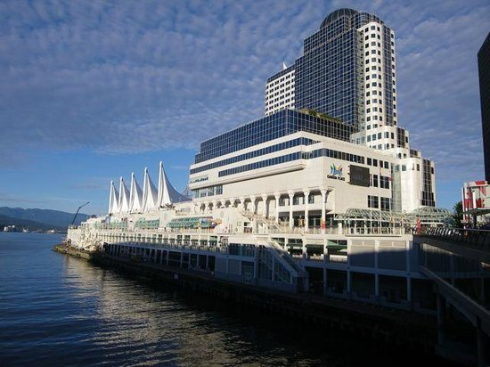 Pan Pacific Vancouver: Hotel Exterior