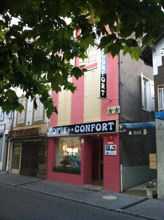 Exterior of Hotel Confort