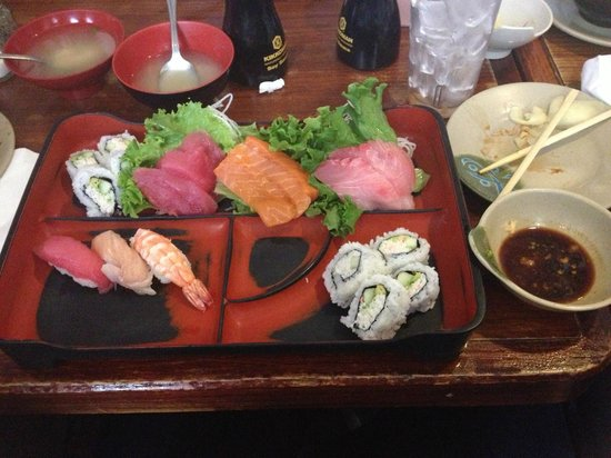 Gen Kai Japanese Restaurant: Sushi and Sashmi Lunch