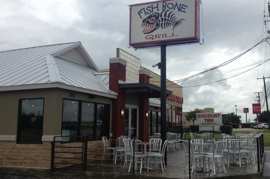 Fishbone Grill & Sports Bar: Brand new look but same great food!